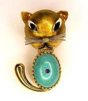 Antique Amazonite tummy Cat Brooch