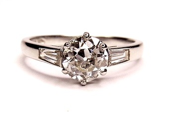 Antique Diamond solitaire ring