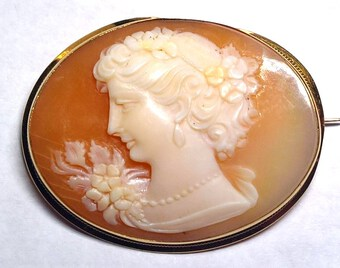 Antique Shell cameo of Flora