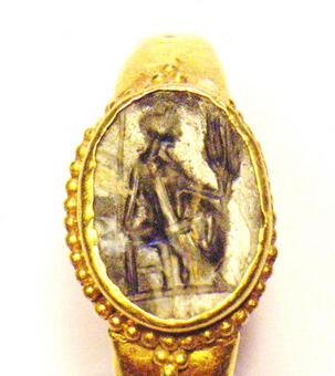 Antique ROMAN INTAGLIO RING 3RD C AD
