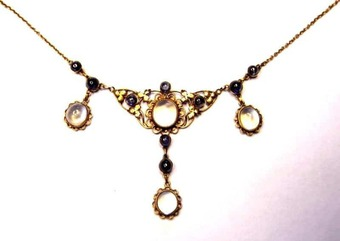 Antique Edwardian sapphire and moonstone necklet
