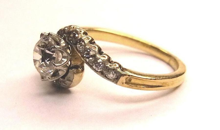 Antique DIAMOND SOLITAIRE CROSSOVER RING