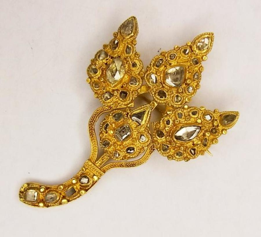 INDIAN DIAMOND AND GOLD LEAF BROOCH
