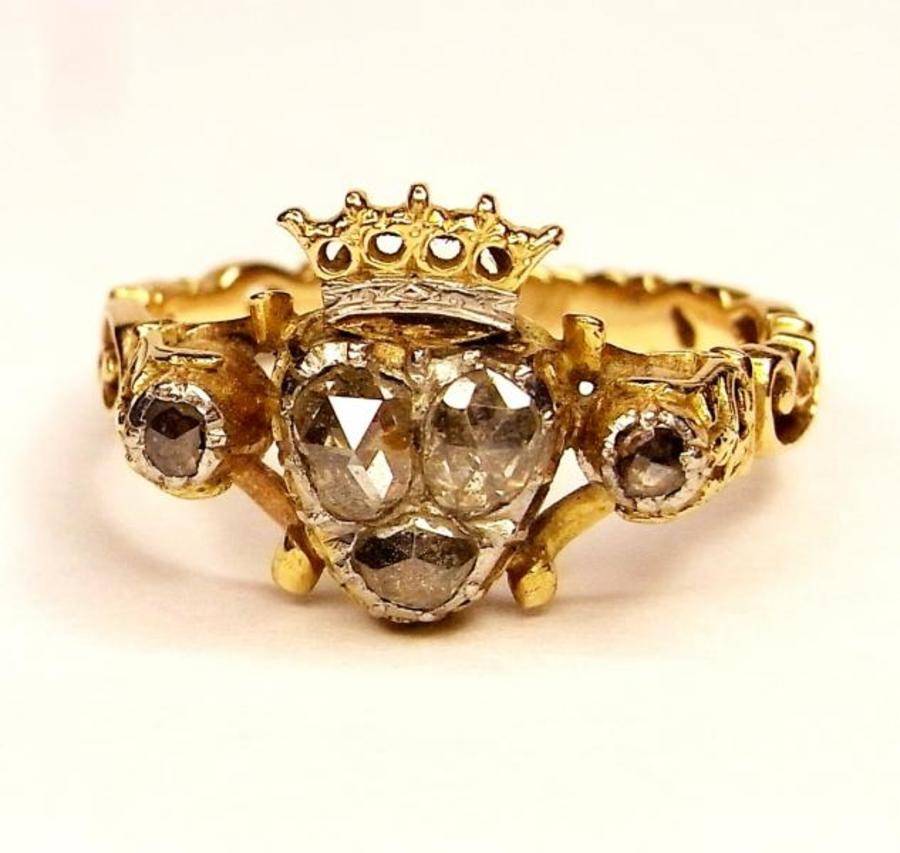 CROWNED HEART RING
