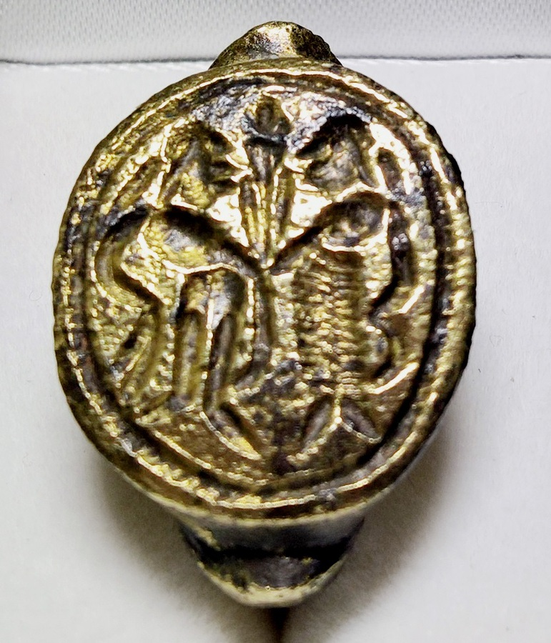 Roman gilt-bronze ring