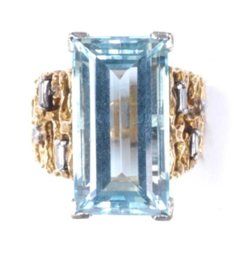 AQUAMARINE 1970S RING