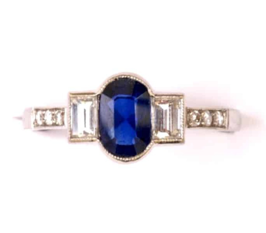 Antique SAPPHIRE AND BAGUETTE DIAMOND RING