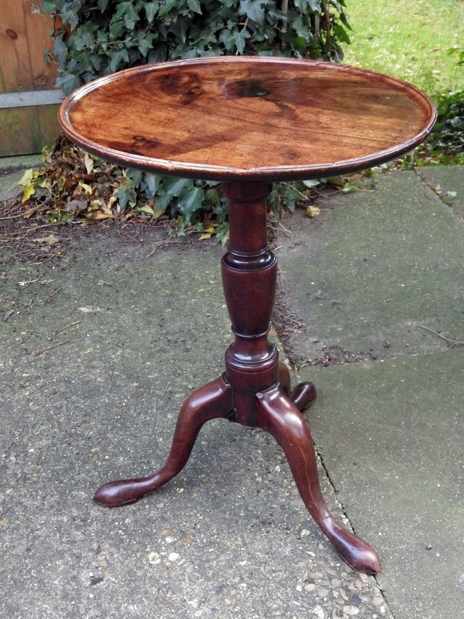 George III Beautiful Mahogany Tilt Top Wine Table