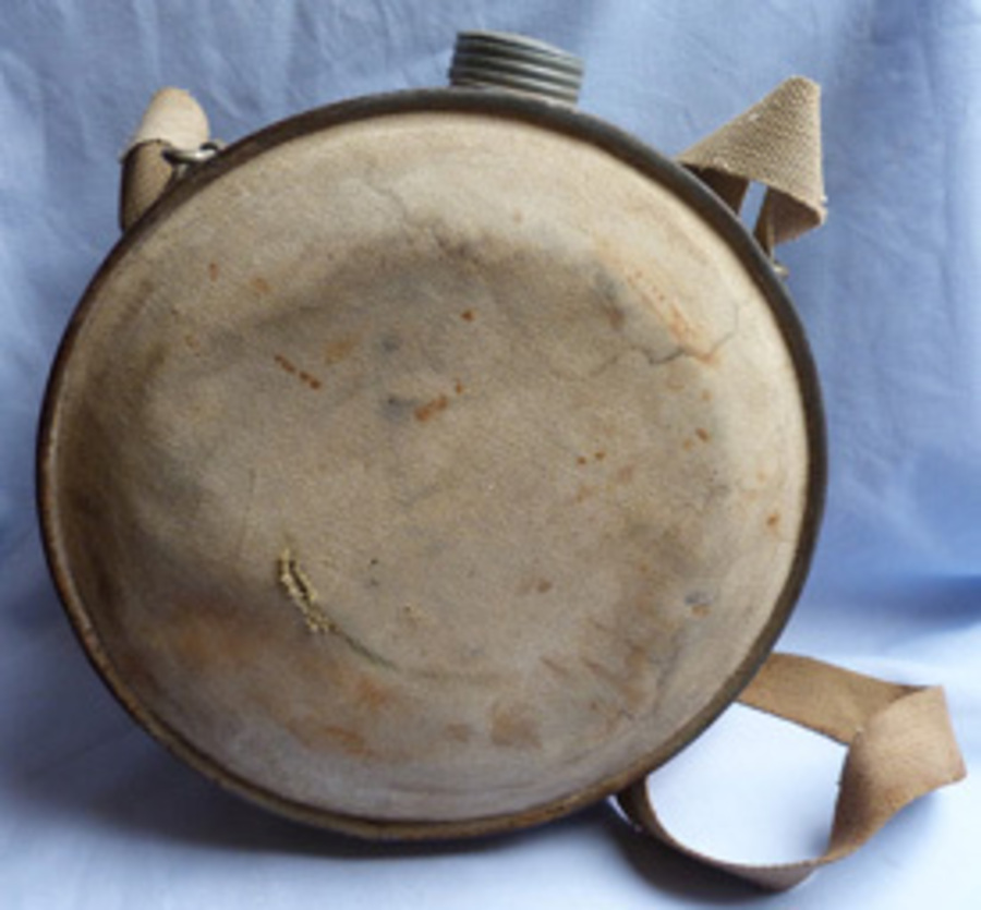 Antique Large C.WW2 Military or Sporting Water Canteen