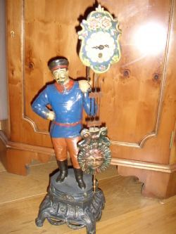 SPHELTER PAINTED ANTIQUE FIGURINE NOVALTY CLOCK