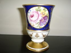 FINE BONE CHINA FLORREL VASE BY SUTHERLAND DECORATED WITH FLOWERS & HAND FINISHED IN GOLD