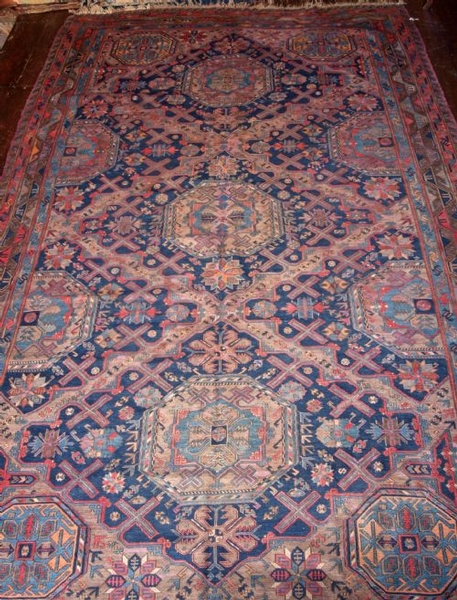 Antique OLD CAUCASIAN SOUMAK, TRADITIONAL DESIGN, CIRCA 1920.