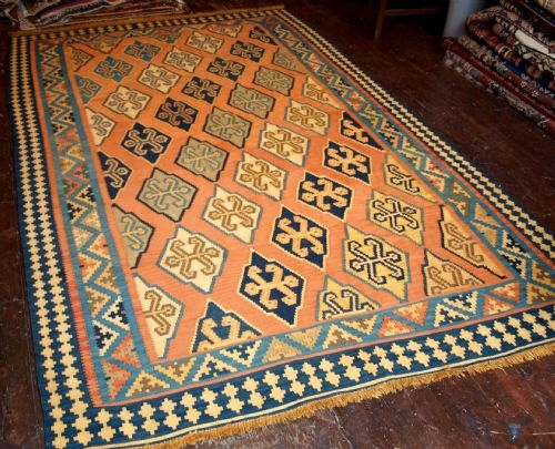 Antique OLD SOUTH WEST PERSIAN KILM, LIGHT COLOURS, GOOD DESIGN, CIRCA 1950