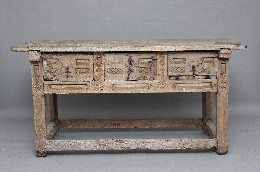 Antique 17th Century Spanish side / serving table