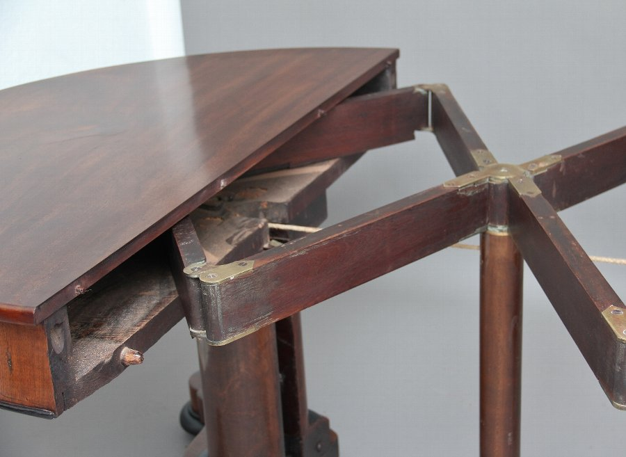 Antique 19th Century mahogany extending table
