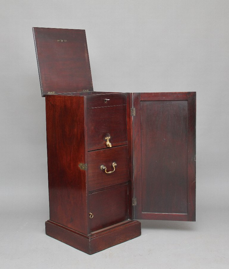 Early 19th Century mahogany wine cooler cabinet