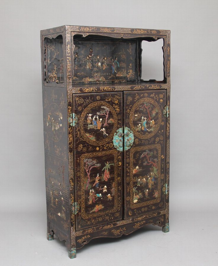 Early 19th Century Chinese lacquered and hardstone inlaid cabinet
