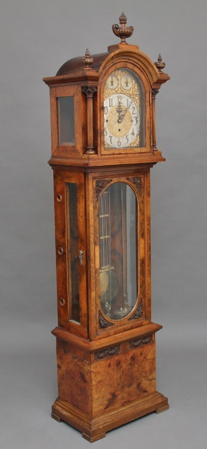 Early 20th Century walnut Granddaughter clock