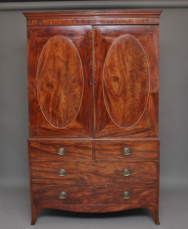 Early 19th Century mahogany linen press