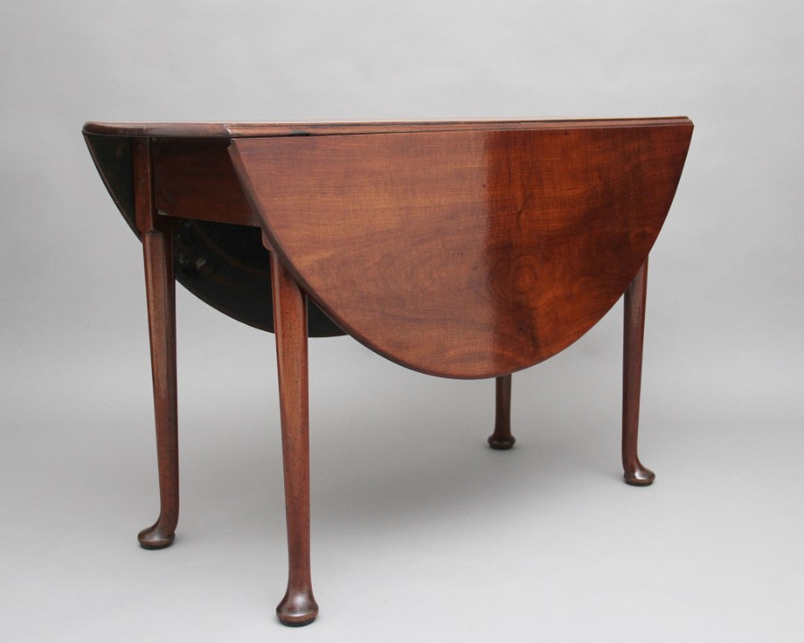 18th Century mahogany drop leaf table