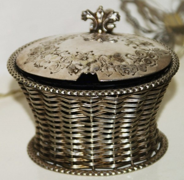 Antique A wonderful, basket weave, silver plated, Victorian mustard pot, with original blue glass liner.
