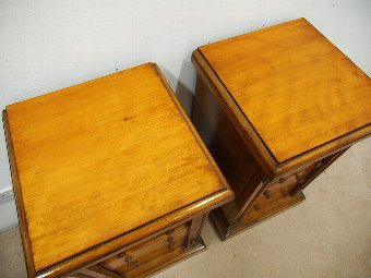 Antique Pair of Victorian Satin Birch Chest of Drawers