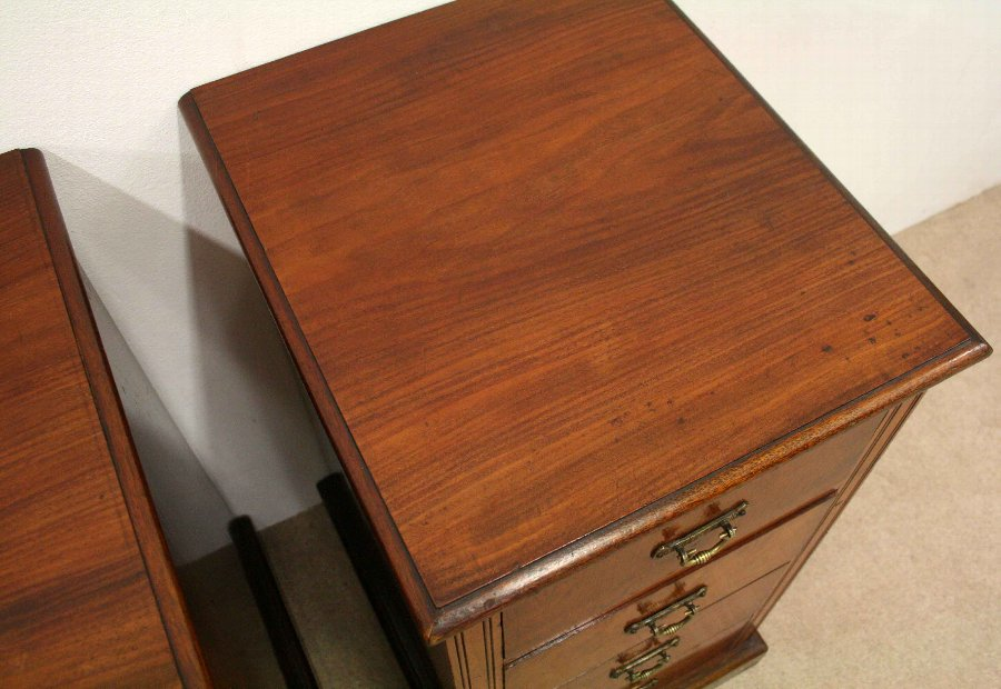 Antique Pair of Late Victorian Mahogany Bedside Chests