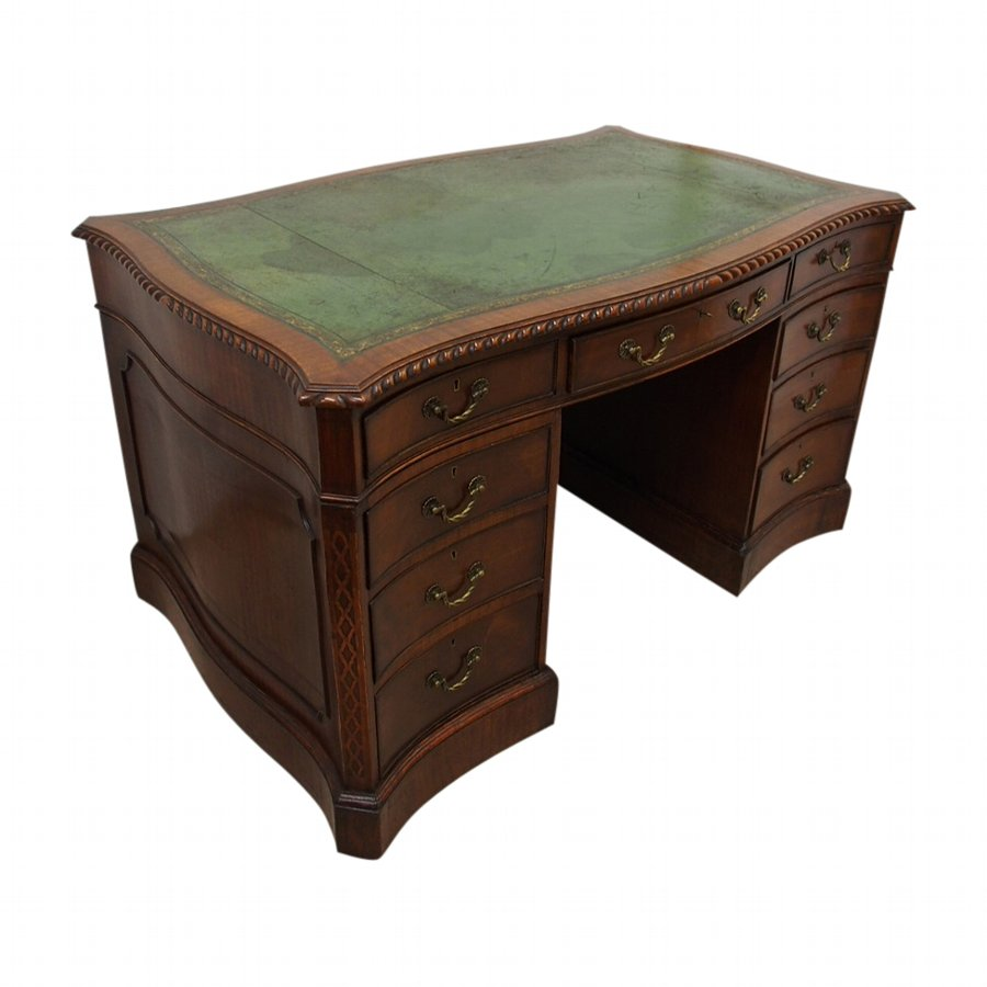 Chippendale Style Mahogany Kneehole Desk