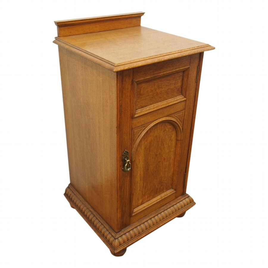 size 40 343b4 ecbe3 Late Victorian Oak Bedside Cabinet