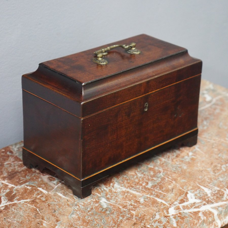 Early Georgian Mahogany Tea Caddy