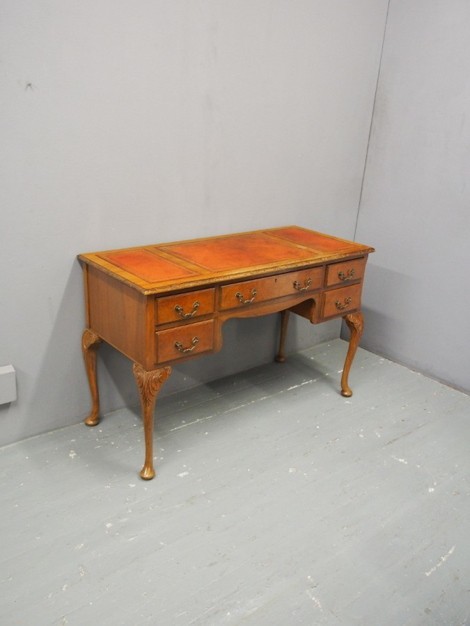 Antique Queen Anne Style Kneehole Desk