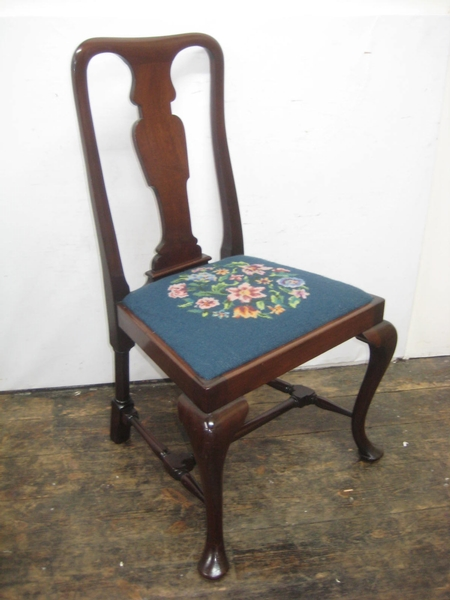 Queen Anne Style Mahogany Chair