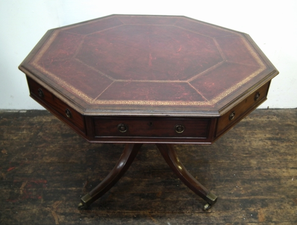 Late George III Mahogany Octagonal Rent/Library Table