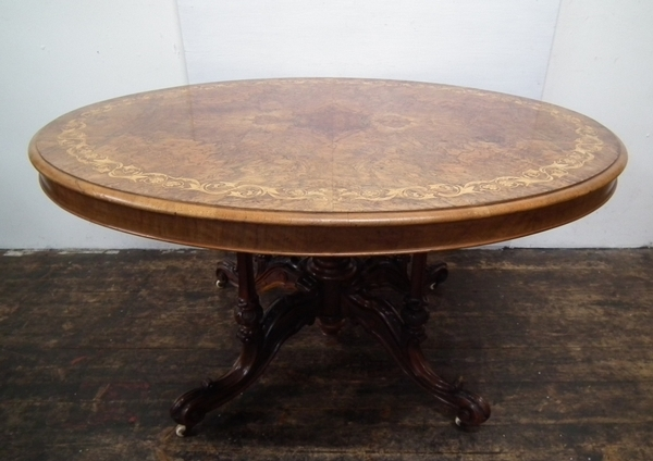 Mid Victorian Burr Walnut Oval Breakfast/Loo Table