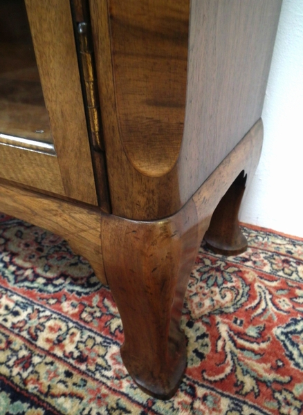 Antique Whytock & Reid Neat Sized Walnut Bookcase