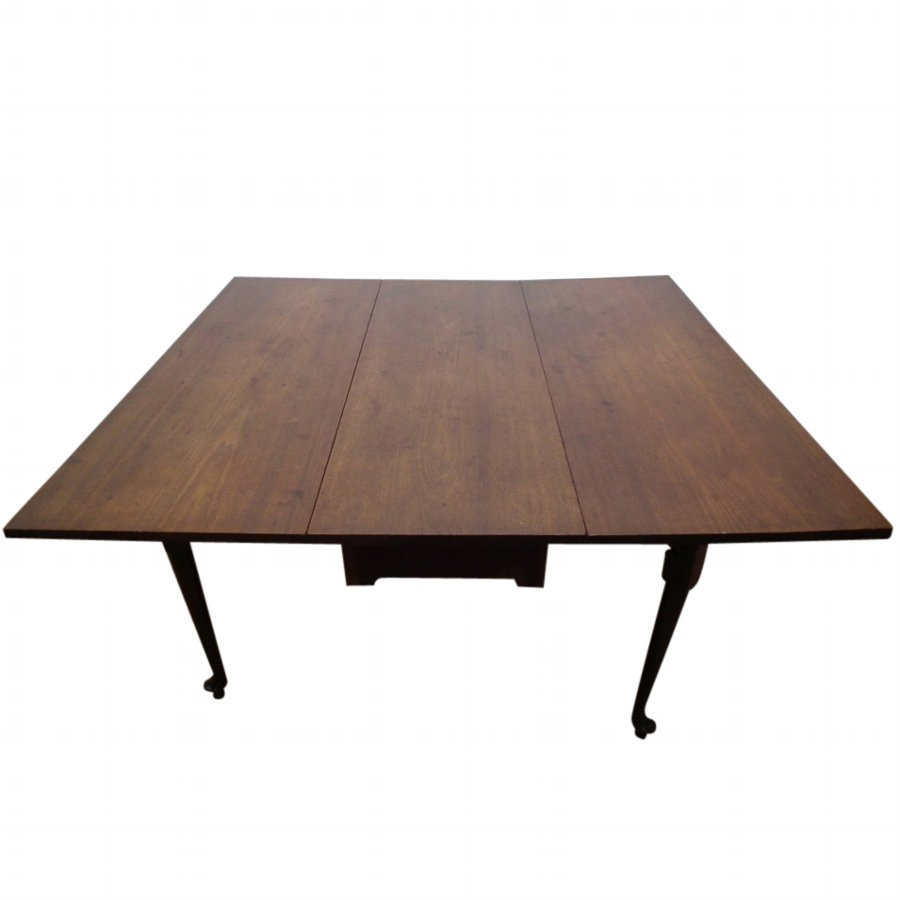George II Mahogany Drop Leaf Dining Table