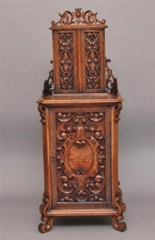 Antique 19TH CENTURY CARVED ITALIAN WALNUT CABINET