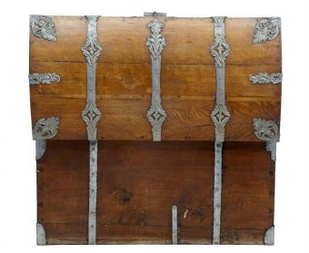 Antique 19TH CENTURY METAL BOUND OAK TRUNK CHEST