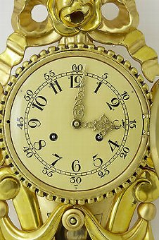 Antique 20TH CENTURY SWEDISH GILT CARVED ORNATE WALL CLOCK IMP FHS