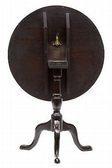 Antique 18TH CENTURY GEORGE III MAHOGANY TILT TOP OCCASIONAL TABLE
