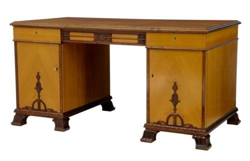 20TH CENTURY ART DECO BIRCH PEDESTAL DESK