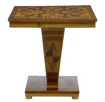 20TH CENTURY ART DECO INLAID OCCASIONAL TABLE