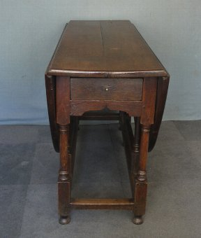 Antique Antique oak gate leg table