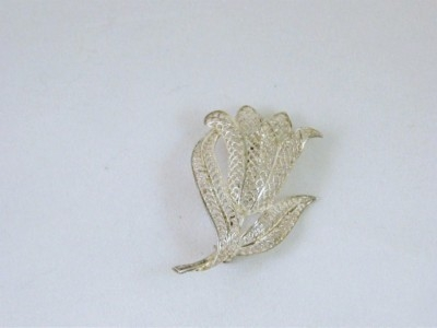 Silver Mesh Flower Brooch