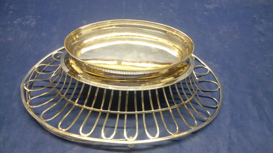 Antique ANTIQUE GEORGIAN ENGLISH OLD SHEFFIELD PLATE SWING HANDLED CAKE BASKET CIRCA 1780