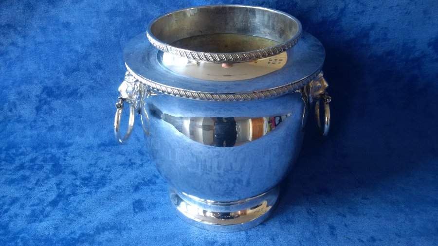 ANTIQUE GEORGIAN ENGLISH OLD SHEFFIELD PLATE WINE COOLER CIRCA 1790