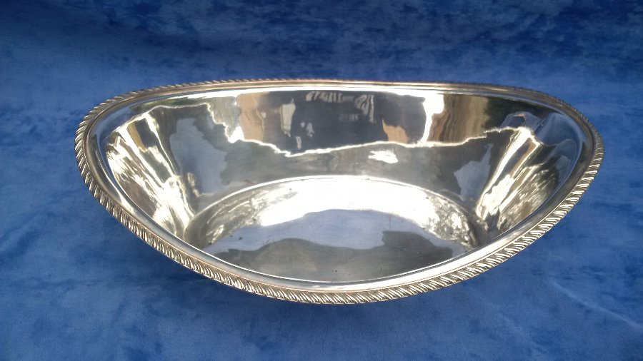 ANTIQUE 18TH CENTURY GEORGIAN ENGLISH OLD SHEFFIELD PLATE BREAD BASKET CIRCA 1780