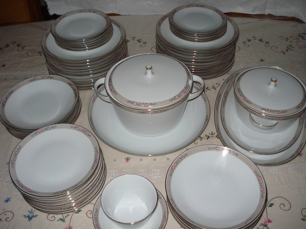 Antique Bavaria Porcelain-dinner set