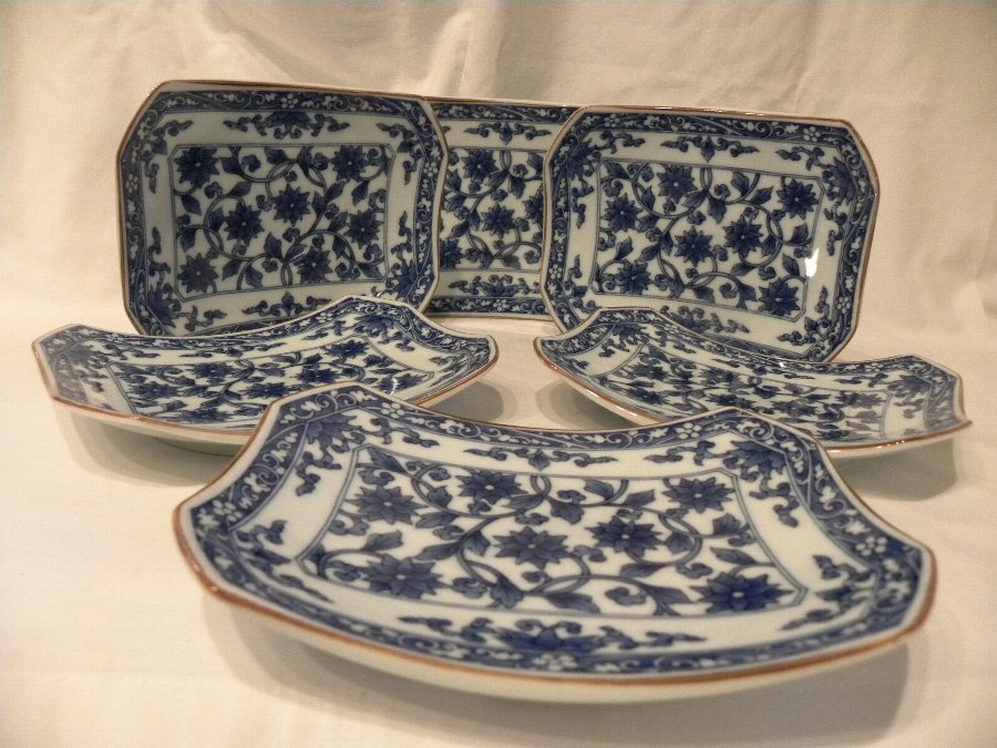 Set of 6 blue and white dishes - Item 3003