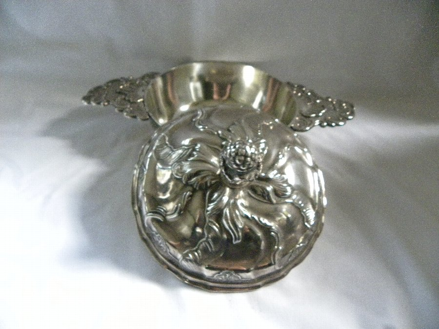 Antique French pewter two handled porringer with embossed cover - Item 3112